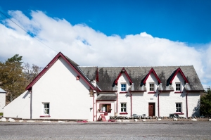 The Inveroran Hotel is the last chance to buy a hot drink or biscuit to fuel up for the walk to Kingshouse (or beyond) across Rannoch Moor.
